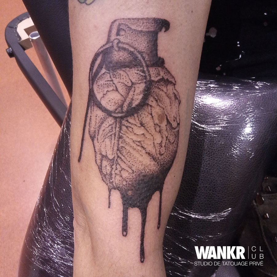 grenade coeur tattoo